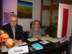 Am Empfang: Werner Ronner und Hildegard Knoepfel.